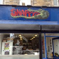 Shopfront signage at Snappy's cafe in Edinburgh.